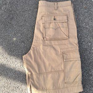 Mens Levi Cargo Shorts (42 Waist)